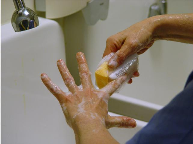 how to use hand scrub